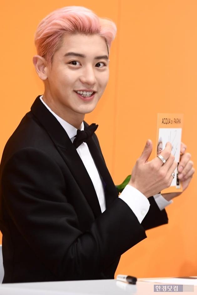 HK직캠|EXO 찬열, 말로는 표현하기 힘든 멋짐…'캬~잘생겼다~'