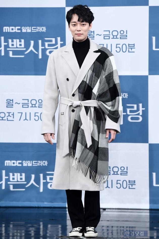 [포토] 전승빈, '멋진 코트 차려입고~'