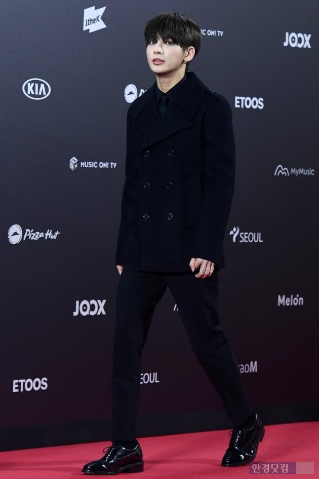 [포토] TXT 수빈, '멋진 모습으로 등장' (2019 멜론뮤직어워드)