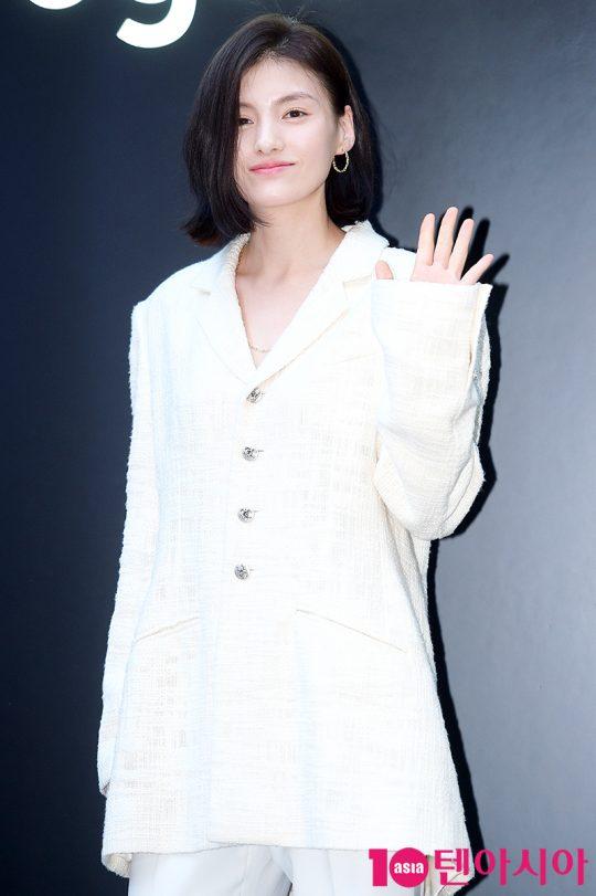 배우 김용지