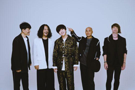밴드 YB의 박태희 (왼쪽부터), 허준, 윤도현, 김진원, 스캇 할로웰. / 사진제공=디컴퍼니