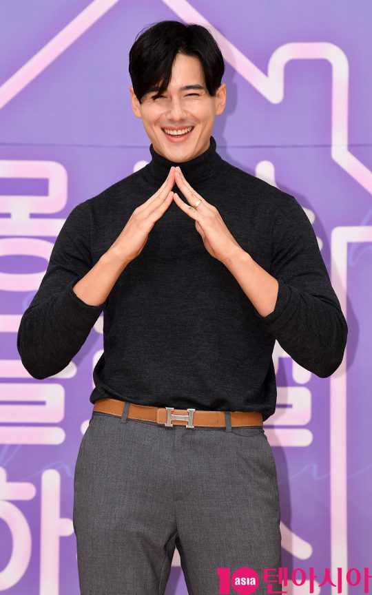 장민이 8일 오후 서울 양천구 목동 SBS 사옥에서 열린 SBS 모비딕 숏폼드라마 '몽슈슈글로벌하우스'(이하 몽글스) 제작발표회에 참석하고 있다.