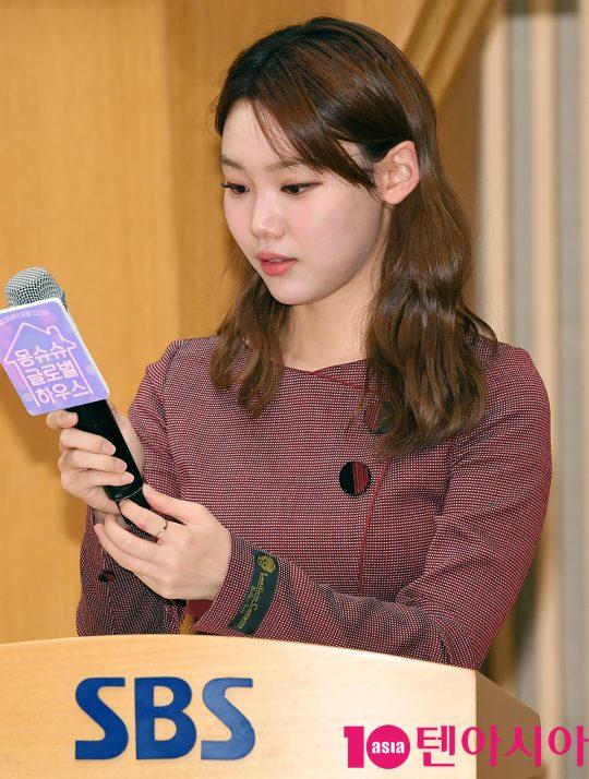김수민 아나운서가 8일 오후 서울 양천구 목동 SBS 사옥에서 열린 SBS 모비딕 숏폼드라마 '몽슈슈글로벌하우스'(이하 몽글스) 제작발표회에 참석하고 있다.