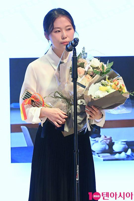 제39회 영평상 여우조연상을 차지한 배우 김새벽. /이승현 기자 lsh87@