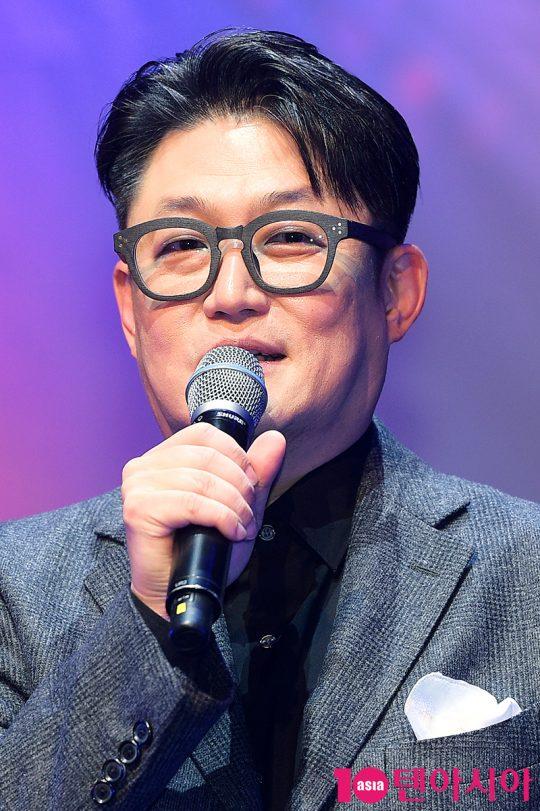 가수 김현철