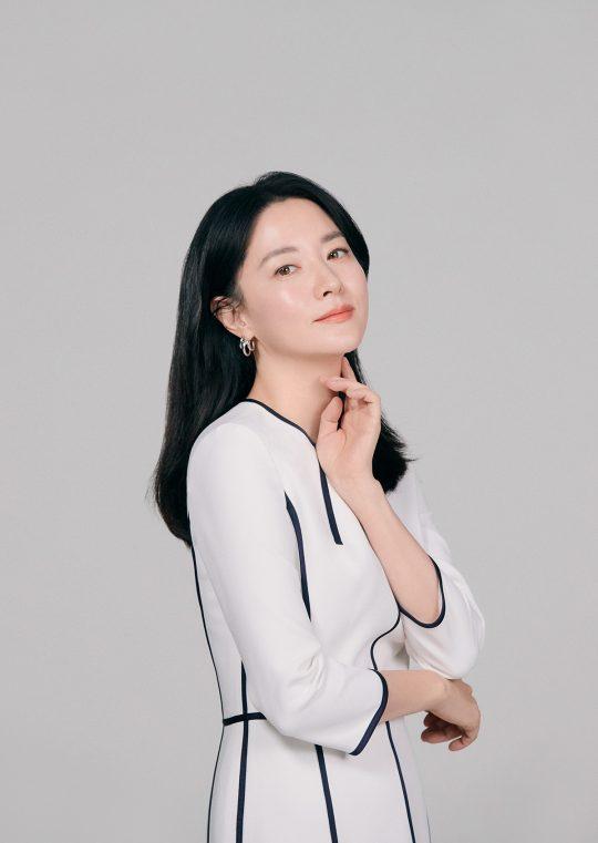 영화 '나를 찾아줘'에서 실종된 아들을 찾는 엄마 정연 역으로 열연한 배우 이영애. /사진제공=워너브러더스, 굳피플