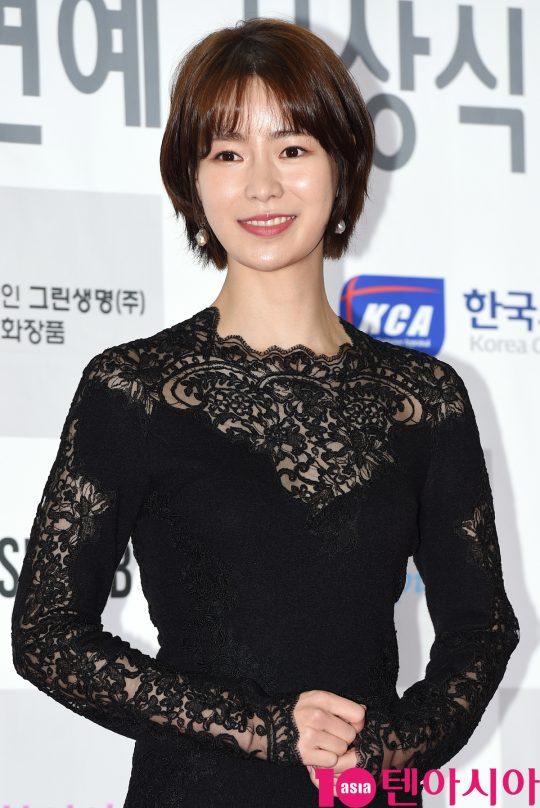 배우 임지연이 25일 오후 서울 삼성동 코엑스에서 열린 제24회 소비자의 날 시상식에 참석하고 있다.