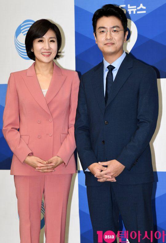 이소정 앵커(왼쪽), 최동석 아나운서. / 조준원 기자 wizard333@