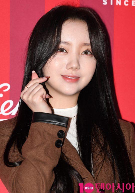 러블리즈 케이가 27일 오후 서울 청담동 프로젝트910에서 열린 키엘 2019 홀리데이 리미티드 에디션 출시 기념행사에 참석하고 있다.