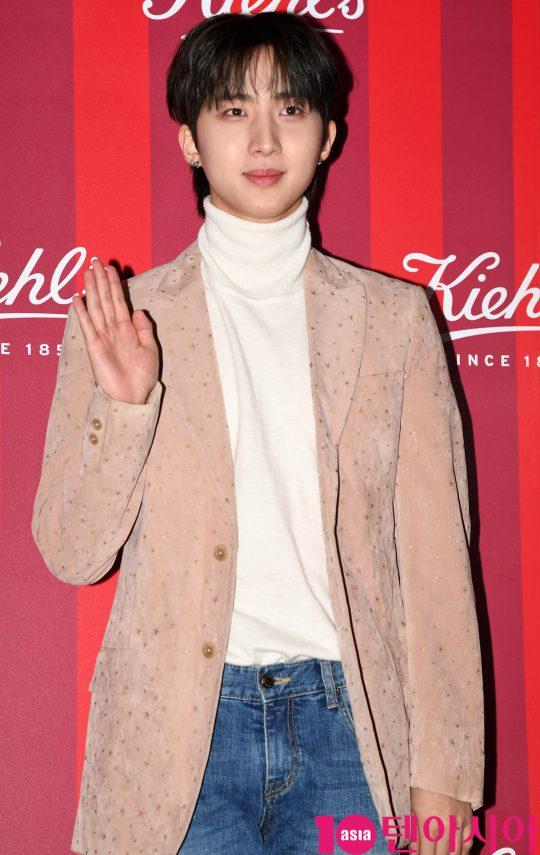 팬타곤 후이가 27일 오후 서울 청담동 프로젝트910에서 열린 키엘 2019 홀리데이 리미티드 에디션 출시 기념행사에 참석하고 있다.