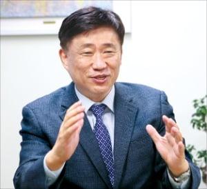 """""""직업훈련 플랫폼 '스텝'…4차 산업혁명 인재 양성"""""""