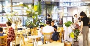 '적자투성이 몰'에서 '용산 랜드마크'로 아이파크몰 위기 극복 키워드 Play&Eat