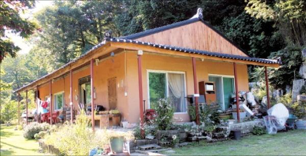 오래된 부모님 집을 리모델링한 주말용 전원주택.