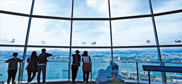 태화강 등 울산의 풍광을 한 눈에 담을 수 있는 울산대교 전망대