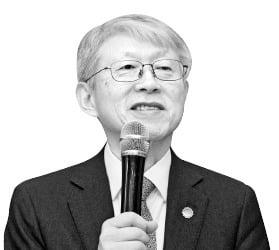 """""""초·중등 AI 필수 교육 도입 추진"""""""