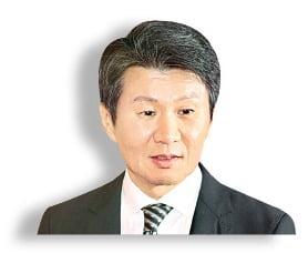 """[마켓인사이트] 정몽규, 이동걸에 """"아시아나 구주값 더 못 준다"""""""