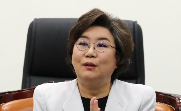 북한 주민 송환 관련 브리핑하는 이혜훈 위원장  /연합뉴스