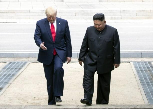 지난 6월 판문점 회동 당시 도널드 트럼프 미국 대통령과 김정은 북한 국무위원장. 사진=연합뉴스