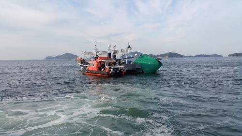 통영 해상서 낚싯배·해녀 선박 충돌 2명 부상…21명 전원 구조(종합2보)