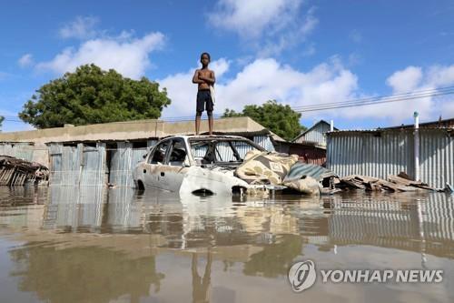 "WHO ""소말리아서 폭우로 25명 사망…이재민 27만명"""