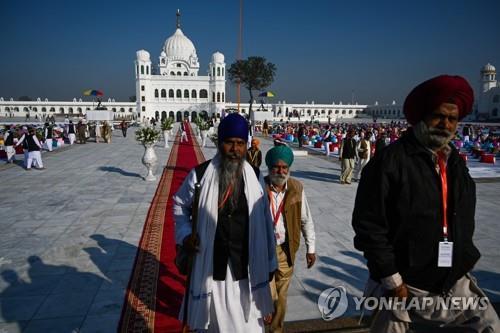 인도·파키스탄 '시크교 순례길' 개통…화해 물꼬 트나