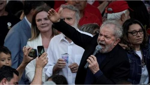"""브라질 보우소나루 """"룰라는 죄수""""…룰라 """"국정운영 제대로 하라"""""""