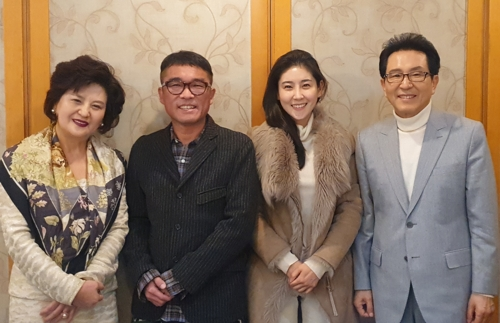 """김건모·장지연 """"상견례 직후 혼인신고, 예식 연기 기일 때문"""""""