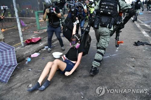 """美, 홍콩 시위현장 무력 규탄…""""자유 존중하라"""" 中에 촉구"""