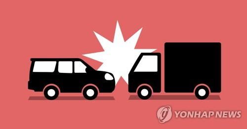 의성서 SUV-트랙터 충돌…1명 사망·2명 부상