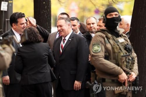 """폼페이오, 러시아·中 강력 비판…""""자유없는 국가와 가치경쟁"""""""