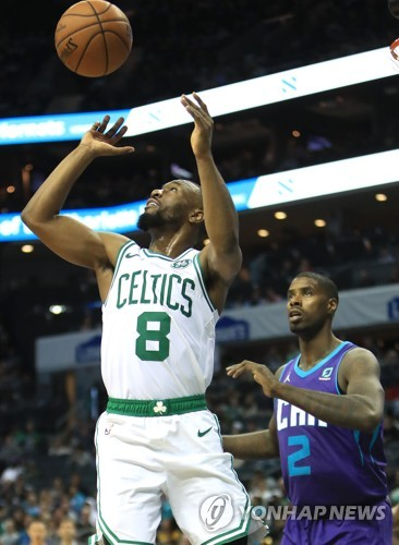 NBA 보스턴, 샬럿 꺾고 6연승…워커는 친정 상대 14점·6AS