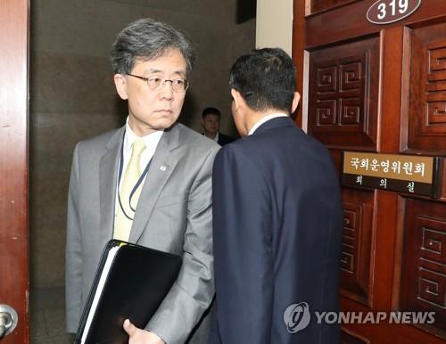 """靑 """"김현종-스틸웰, 지소미아·방위비분담 협상 등 건설적 협의"""""""