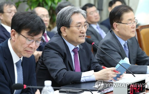 靑, 임기 후반기 첫날 野·언론 대면…'국정 로드맵' 주목