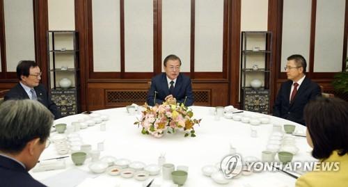 """文대통령 """"선거제개혁, 국회가 협의 처리했으면 좋겠다"""""""