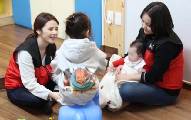 KT CS, 미혼모자가족 복지시설 아침뜰 '책놀이터' 개소