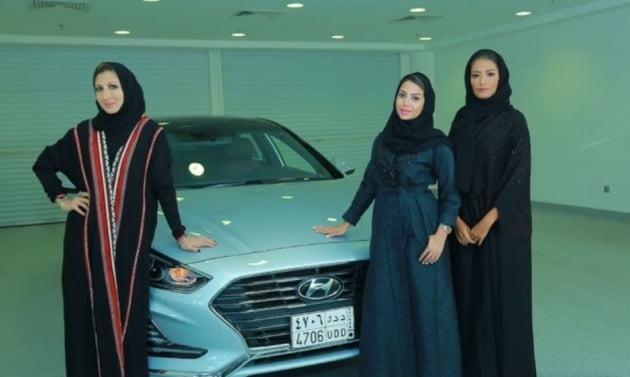 사우디 여성들의 운전 허용으로 내년까지 현지 여성 운전자가 남성 운전자의 30% 수준인 300만명까지 증가할 것으로 전망된다. [사진=현대자동차 제공]