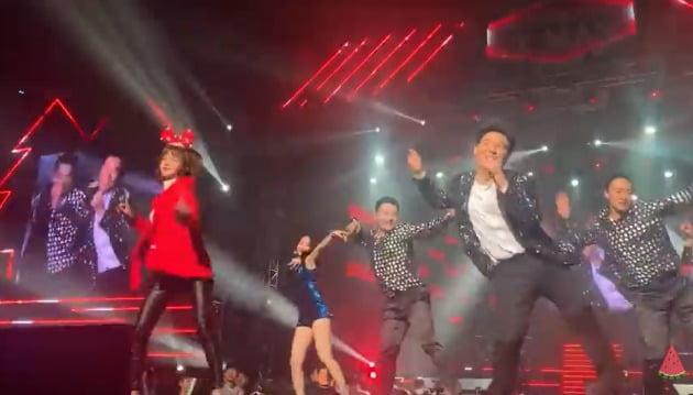 임창정 콘서트에서 무대를 선보인 엣지 - 출처 엣지 유튜브