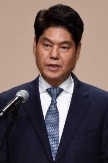 허민회 CJ ENM 대표가'프로듀스 101' 시리즈 조작 논란에 대해 사과문을 발표하고 있다.