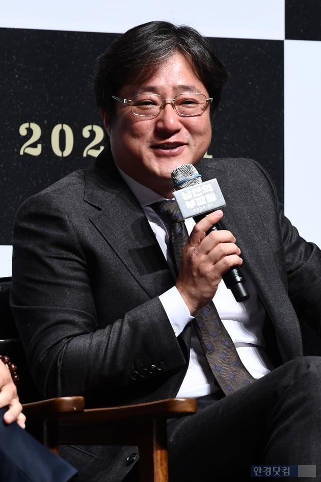 """곽도원 '미투' 후 첫 공식석상…""""오랜만입니다"""""""