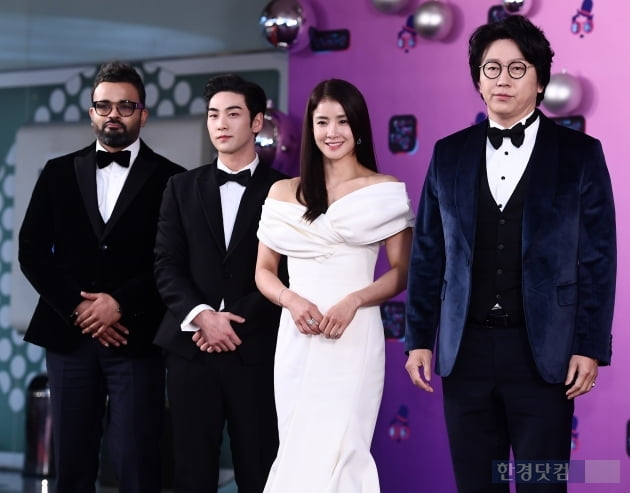 [포토] 럭키-백호-이시영-김수로, '으라차차 만수로' 사랑해 주셔서 감사합니다 (2019 KBS 연예대상)