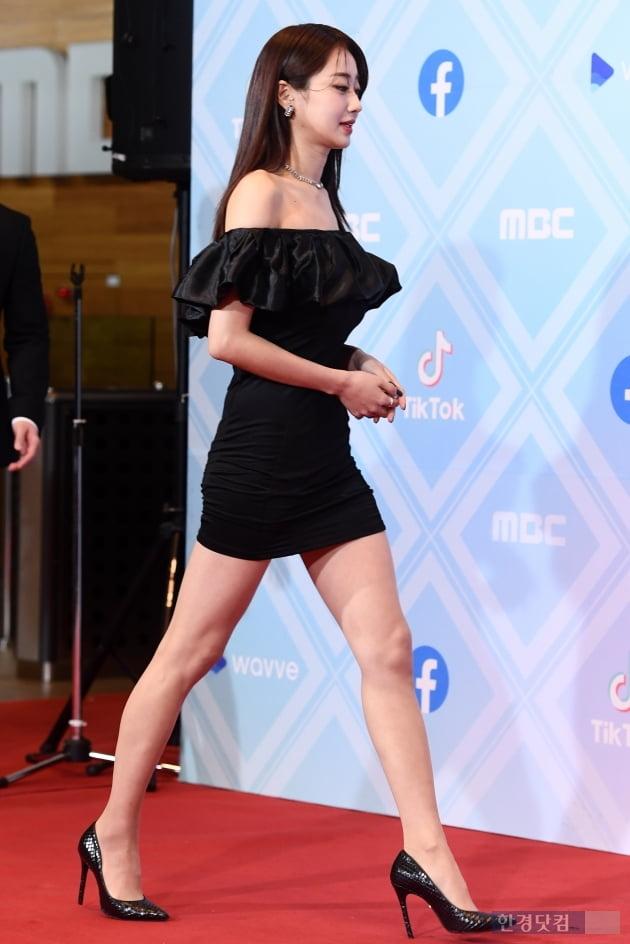 [포토] 경리, '우월한 각선미에 시선강탈~' (2019 MBC 방송연예대상)