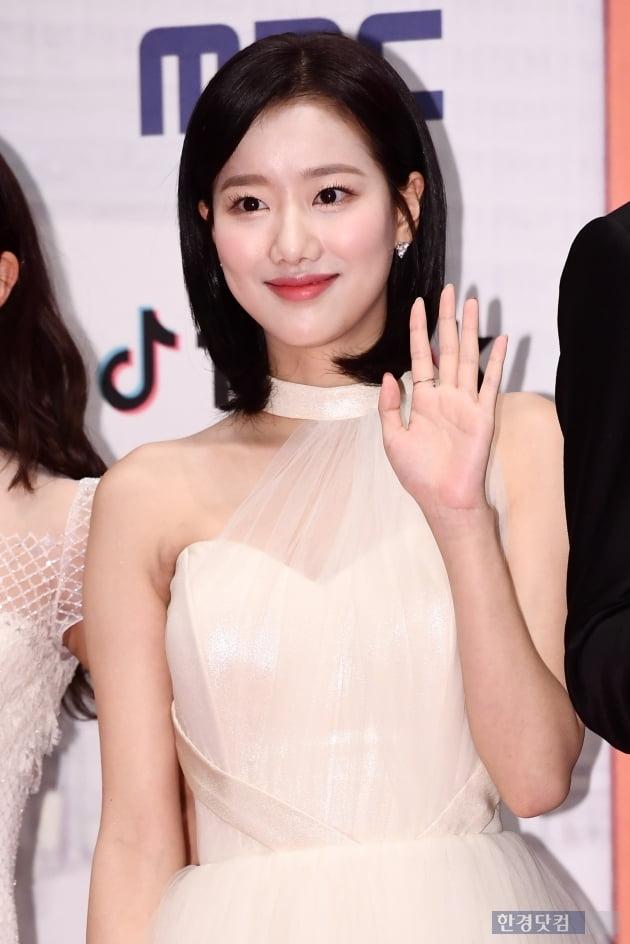 [포토] 에이프릴 나은, '예쁜 미소~' (2019 MBC 연기대상)