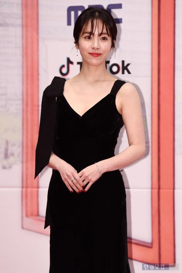 [포토] 한지민, '아름답다는 말로는 부족해~' (2019 MBC 연기대상)