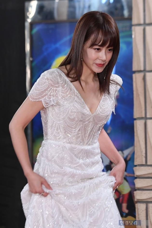 [포토] 류현경, '조심조심 발걸음~'(KBS 연기대상)