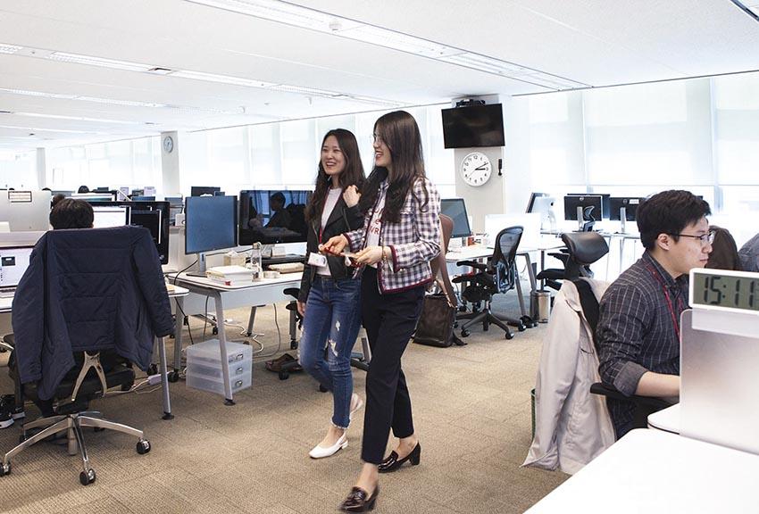 젊어진 대기업 임원, 직급도 호칭도 '파괴'…'수평적 소통·민첩한 변화' 대세로
