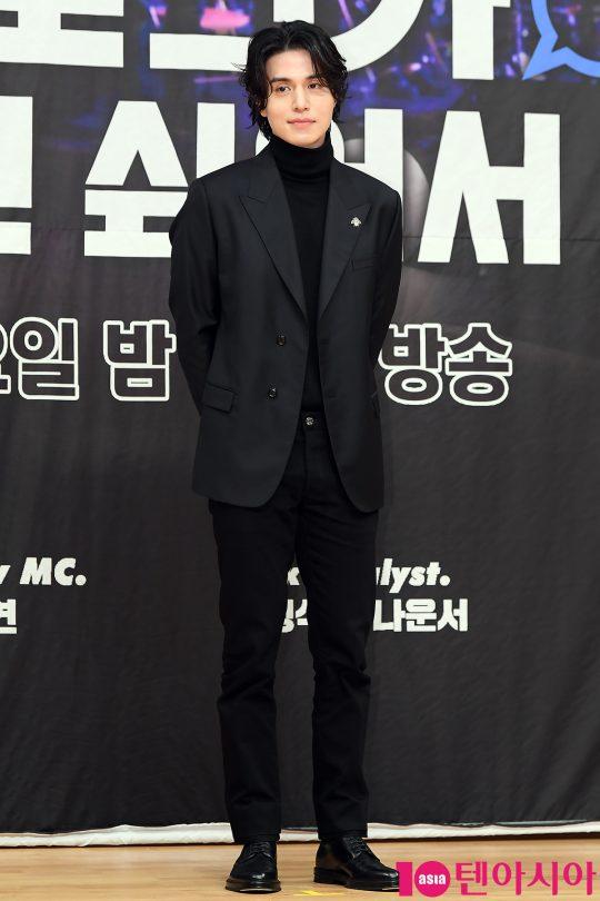오는 4일 처음 방송되는 SBS '이동욱은 토크가 하고 싶어서'에서 토크쇼 호스트를 맡은 배우 이동욱. /이승현 기자 lsh87@