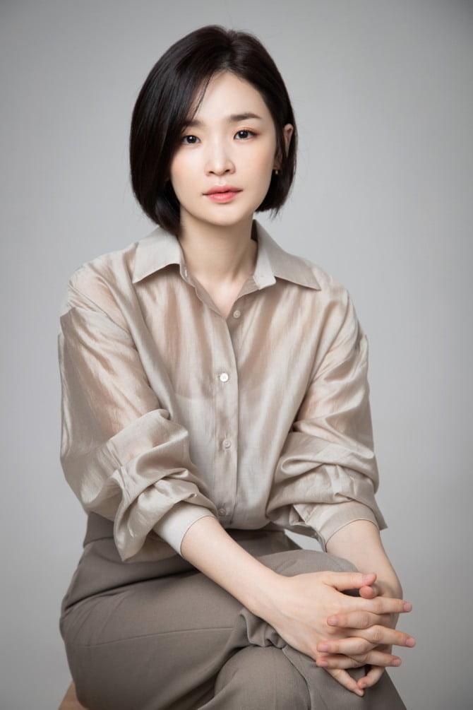 """전미도, `슬기로운 의사생활` 출연 """"열심히 촬영 중, 예쁘게 봐주세요"""""""