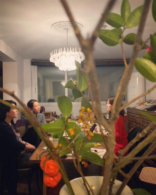 """옥주현·송혜교·조여정, 월드스타 美女들의 단란한 식사 """"예뻤던 그날 밤"""""""
