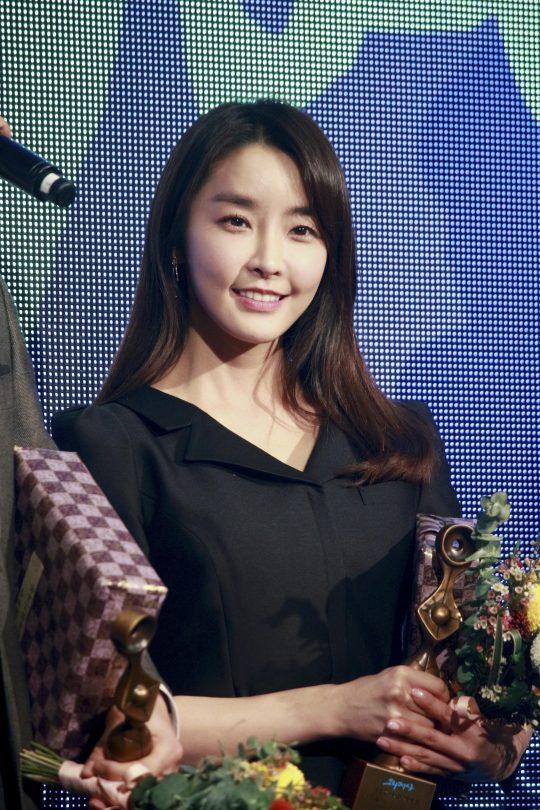 정유미 '그리메상' 여자 최우수 연기자상 수상. /사진제공=에이스팩토리