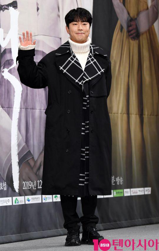 배우 이시언이 12일 오후 서울 강남구 논현동 임피리얼 팰리스 호텔에서 열린 TV CHOSUN 특별기획드라마 '간택-여인들의 전쟁' 제작발표회에 참석하고 있다.